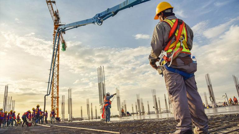 altertechnika-pracownicy-budowlani