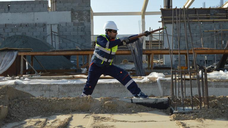 altertechnika-pracownik-budowlany